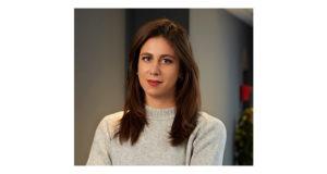 Lucie Barbier-Dearnley, Sim